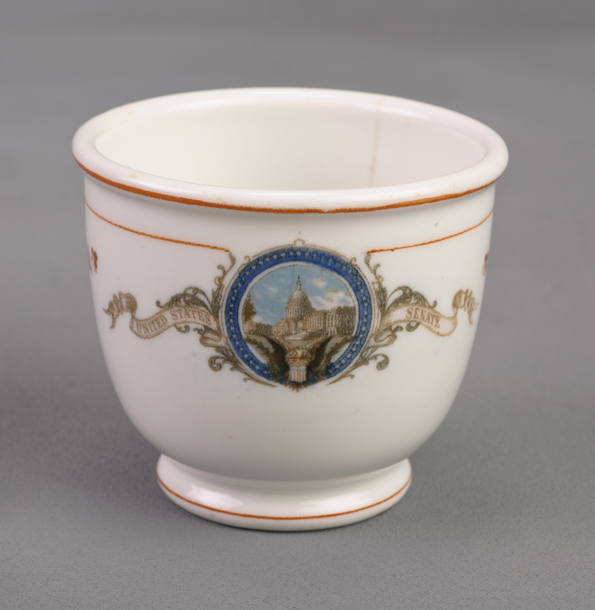 Image: Restaurantware Egg Cup (Footed), United States Senate (Cat. no. 46.00046)